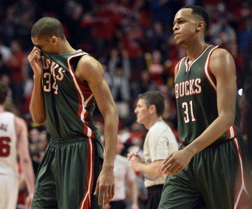 Giannis Antetokounmpo helps Milwaukee Bucks clinch 2017 NBA playoffs berth