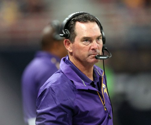 Minnesota Vikings head coach Mike Zimmer has eighth eye surgery