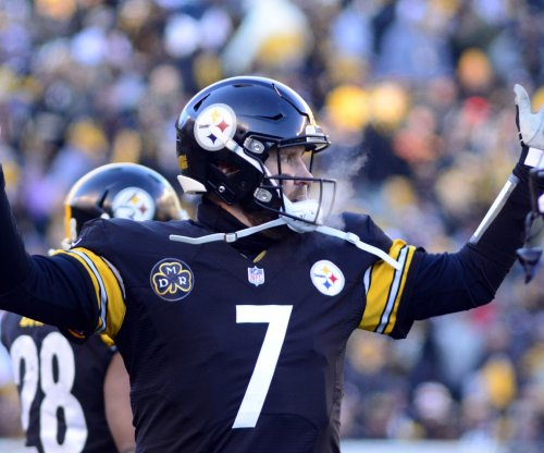 Roethlisberger: I'm not allowed to check to QB sneak