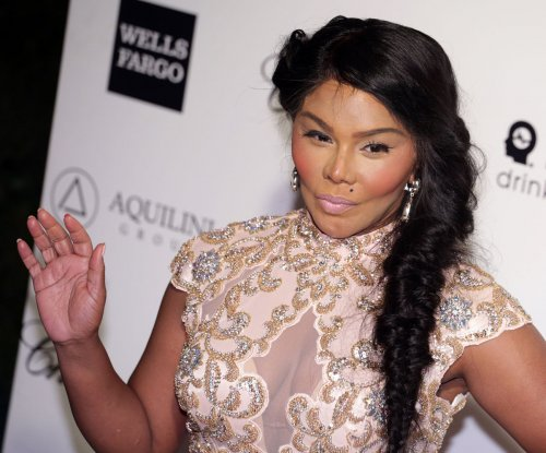 Lil' Kim added to list of honorees at VH1 Hip Hop Honors
