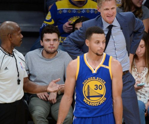 Stephen Curry (stomach flu) out for game at Portland Trail Blazers