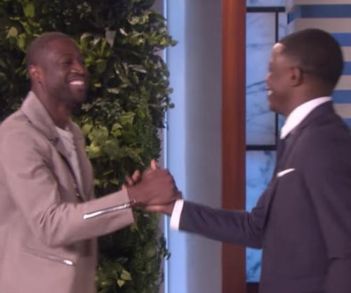 Heat's Dwyane Wade surprises Waffle House hero on 'Ellen'