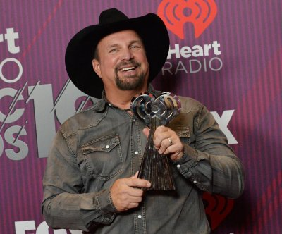 Garth Brooks to receive Icon Award at Billboard Music Awards