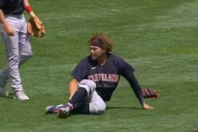 Indians' Josh Naylor carted off field after suffering gruesome leg injury