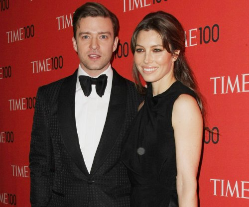 Justin Timberlake surprises wife Jessica Biel at film set