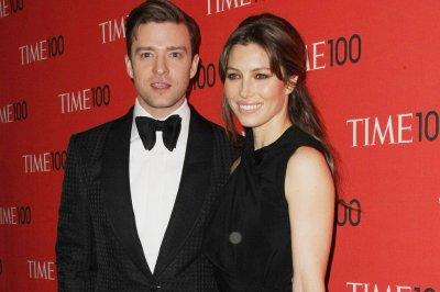Justin Timberlake surprises wife Jessica Biel at film set