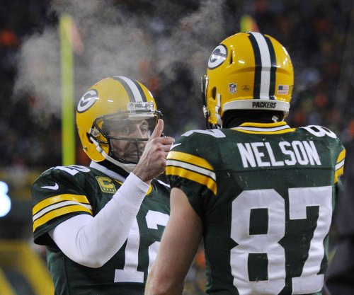 Green Bay Packers' Rodgers, Nelson might not play together until season opener