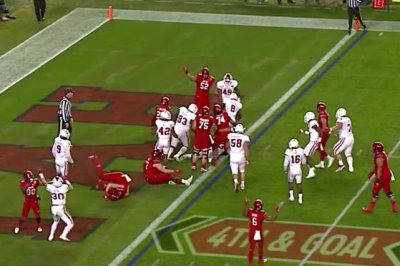 2016 Foster Farms Bowl: Utah Utes ride ground game to bowl win over Indiana Hoosiers