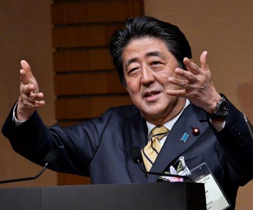 Shinzo Abe calls on South Korea to stick to past pledges