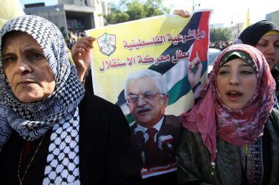 Abbas sets out plan to resume talks