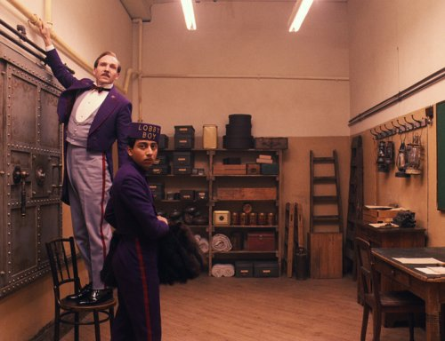 Ralph Fiennes relishes comedic role in 'Grand Budapest Hotel'