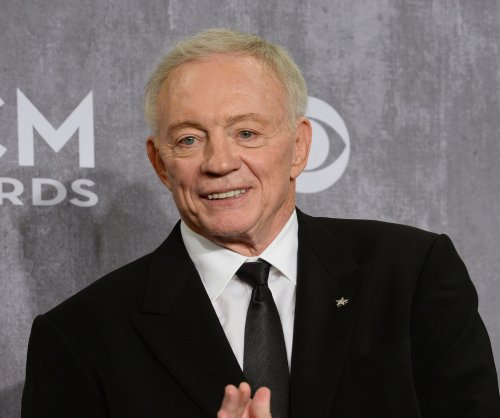 Jerry Jones donates $10.65M to University of Arkansas