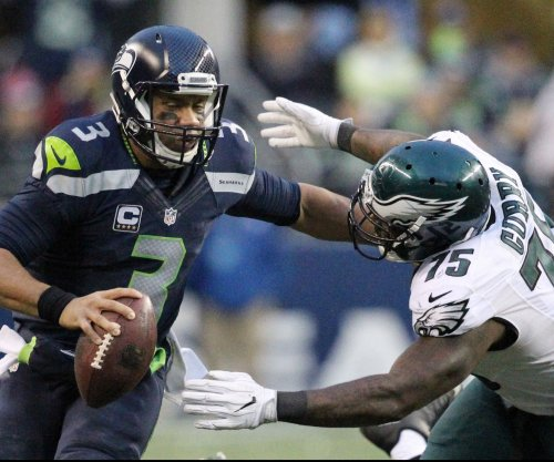 Russell Wilson's TD throw, catch lift Seattle Seahawks past Philadelphia Eagles