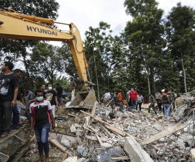 6.5 magnitude earthquate in Indonesia kills at least 54