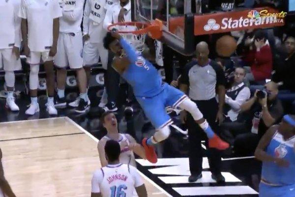 Watch: De'Aaron Fox slams Heat with dunk - UPI.com