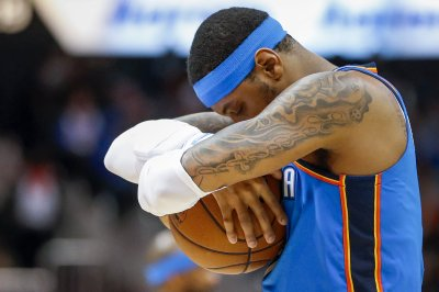 Carmelo Anthony signs $2.4M deal with Houston Rockets