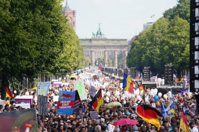 COVID-19: Thousands protest Berlin lockdown, global cases near 25M