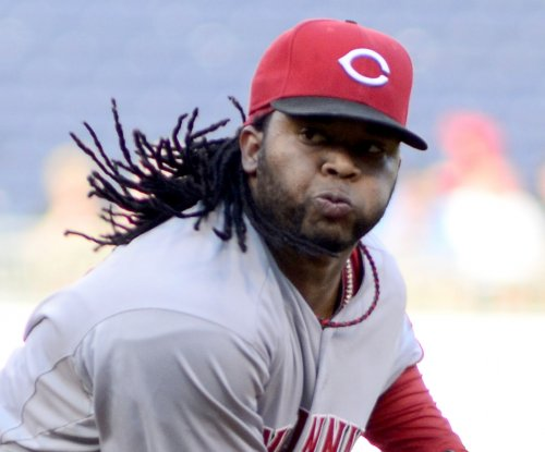 Johnny Cueto, Cincinnati Reds edge Minnesota Twins 2-1