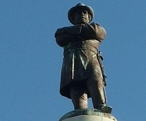 Protests support, oppose New Orleans' plans to remove Confederate monuments