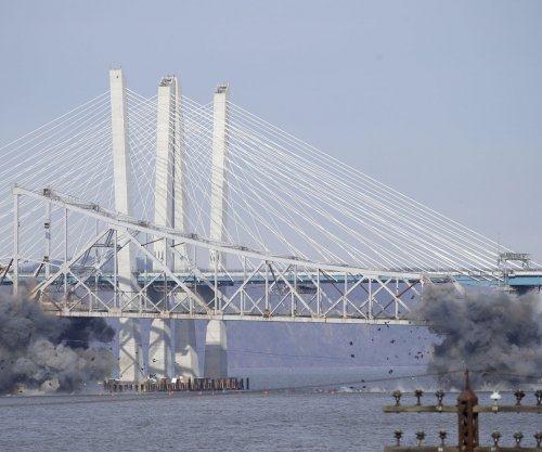 Watch: Dynamite brings down Tappan Zee Bridge
