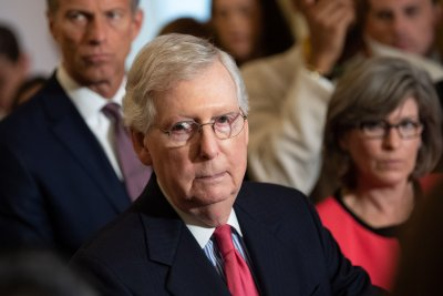 Mitch McConnell fractures shoulder in fall