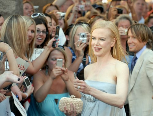 Cruise family sends Kidman baby gifts