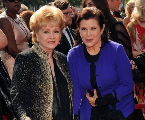 Carrie Fisher to present Debbie Reynolds with the SAG Life Achievement Award