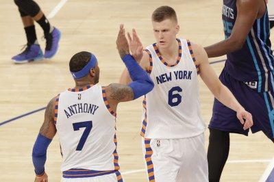Kristaps Porzingis (29 points, 11 rebounds) powers Knicks