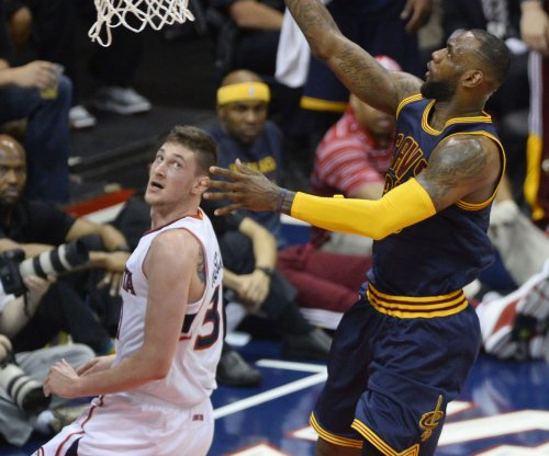 Atlanta Hawks pick up option on backup C Mike Muscala