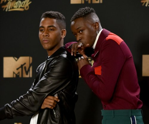 'Moonlight' wins Best Kiss at MTV Movie & TV Awards