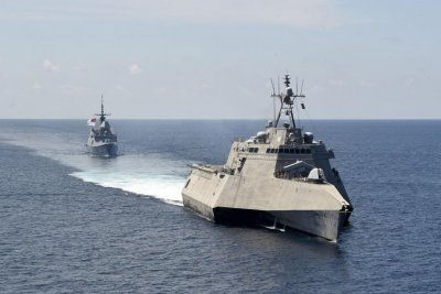U.S. and Singapore join in South China Sea naval exercises