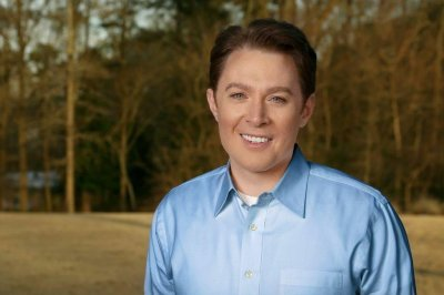 Clay Aiken says his political career is more difficult than 'American Idol'