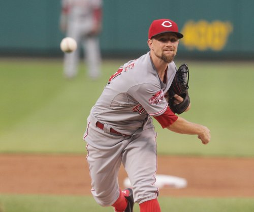 Mike Leake dominates as Cincinnati Reds shut out St. Louis Cardinals