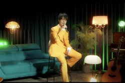 Super Junior's Yesung performs in 'Beautiful Night' live video
