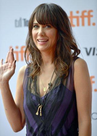 Wiig, Rogen to guest star on 'Arrested Development'