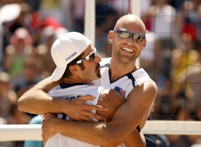 USA sweeps beach volleyball golds