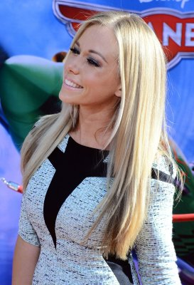 Report: Kendra Wilkinson-Baskett suffered minor stroke in car crash