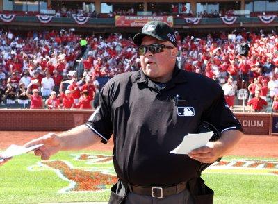 Veteran MLB umpire Wally Bell dies in Ohio at 48
