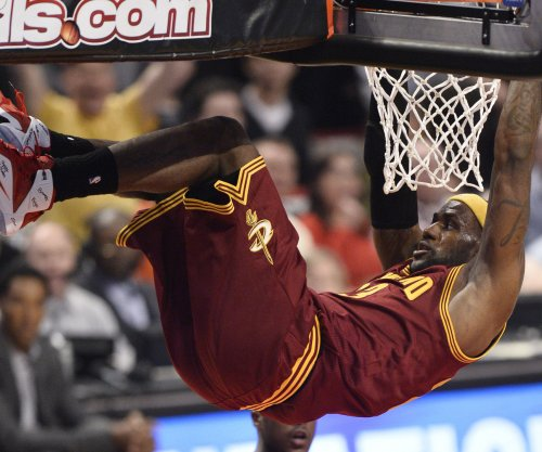LeBron James leads Cavs over Raptors