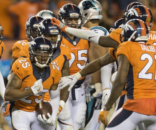 Denver Broncos survive late FG miss to beat Carolina Panthers