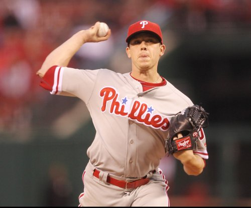 Philadelphia Phillies' Jeremy Hellickson, New York Mets' Neil Walker accept qualifying offers
