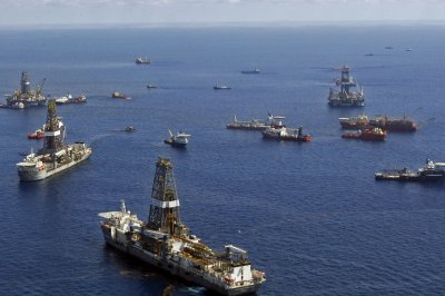 Oil industry asks Trump about drilling offshore
