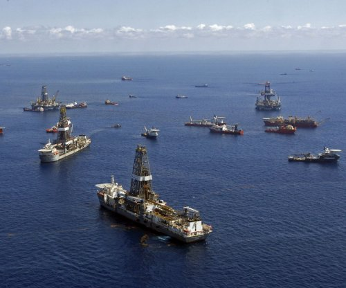 China takes minority stake in oil offshore United Arab Emirates
