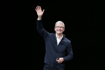 Apple announces streaming service, expanded news, credit card