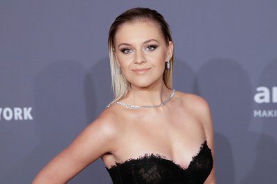 Kelsea Ballerini inducted into Grand Ole Opry by Carrie Underwood