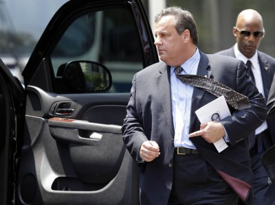 Christie, Clinton hottest on Quinnipiac thermometer