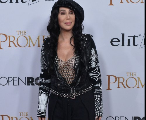 Cher performs 'Believe,' picks up Icon Award at Billboard Music ceremony
