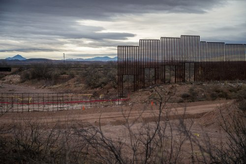 Pentagon OKs $1B transfer to build border wall