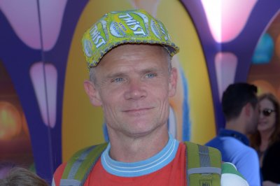 Flea marries fashion designer Melody Ehsani