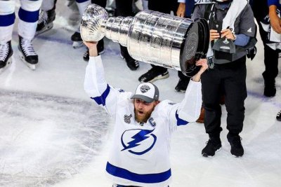 Lightning beat Stars in six games for first Stanley Cup since 2004
